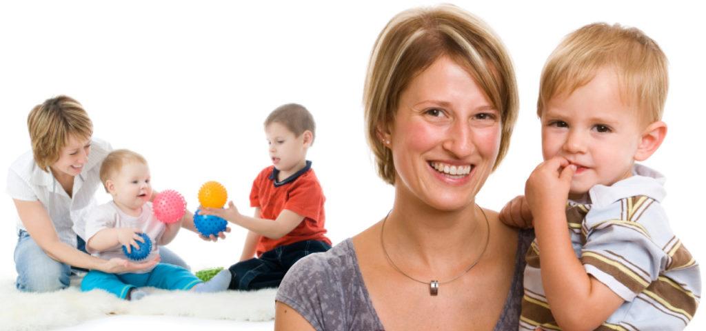 Bild junge Frau mit Kleinkindern
